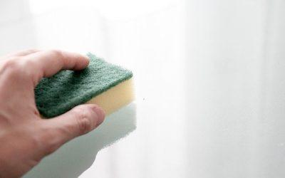 Quelques astuces de grande mère pour nettoyer les vitres sans trace
